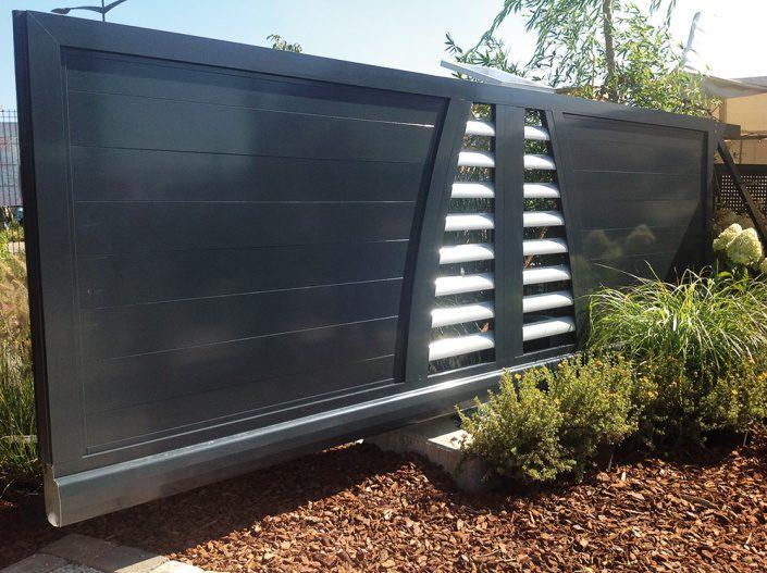 sichtschutzz une ihr neuer sichtschutzzaun f r mehr. Black Bedroom Furniture Sets. Home Design Ideas